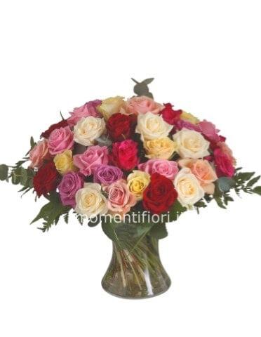Consegna Fiori On Line.Bouquet Con Roselline Assortite Momenti Fiori Fiori A Carpi